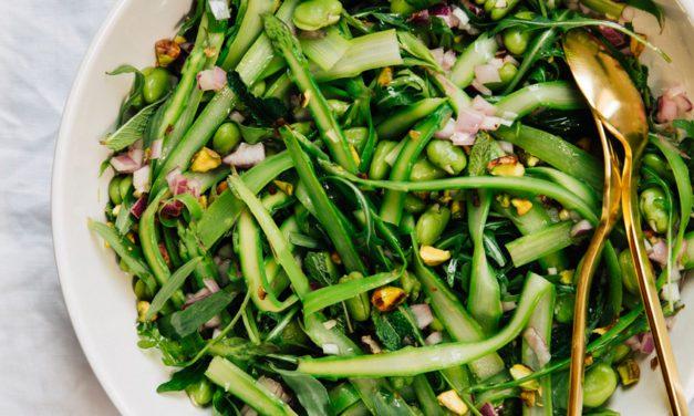 Recept: Salade met asperges en tuinbonen